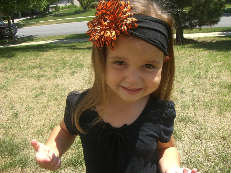 Halloween inspired Jersey knit headband. $8.00, via Etsy.