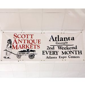 Shop Scott Antique Markets in Atlanta | Eddie Shops Atlanta's Scott Markets | SouthernLiving.com