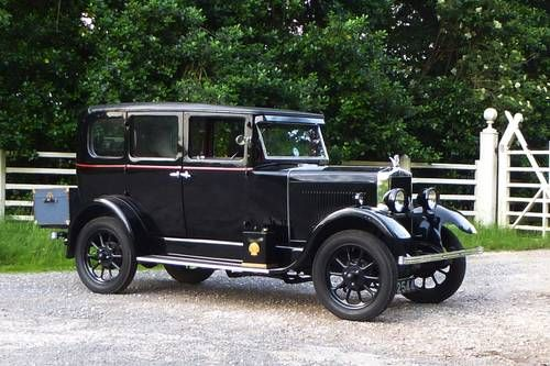 1930 Morris Cowley flat-nose saloon