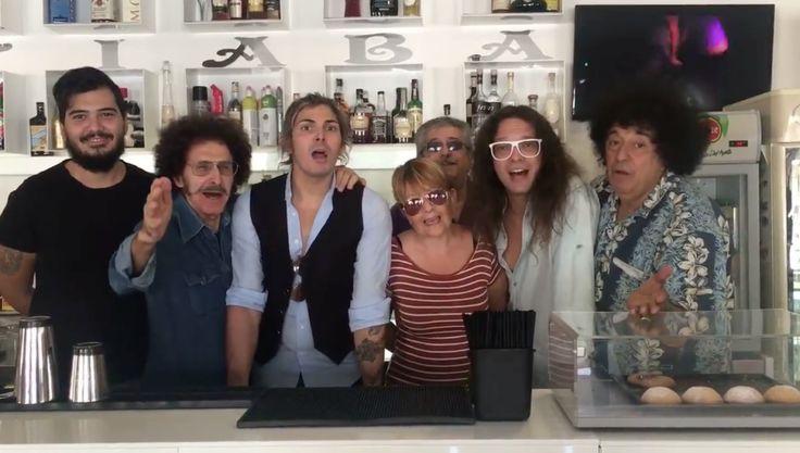 I Cugini di Campagna cantano a sorpresa in un bar di Casagiove a cura di Redazione - http://www.vivicasagiove.it/notizie/cugini-campagna-cantano-sorpresa-un-bar-casagiove/