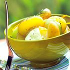 Een heerlijk recept: Aardappelsalade light met komkommer en dille