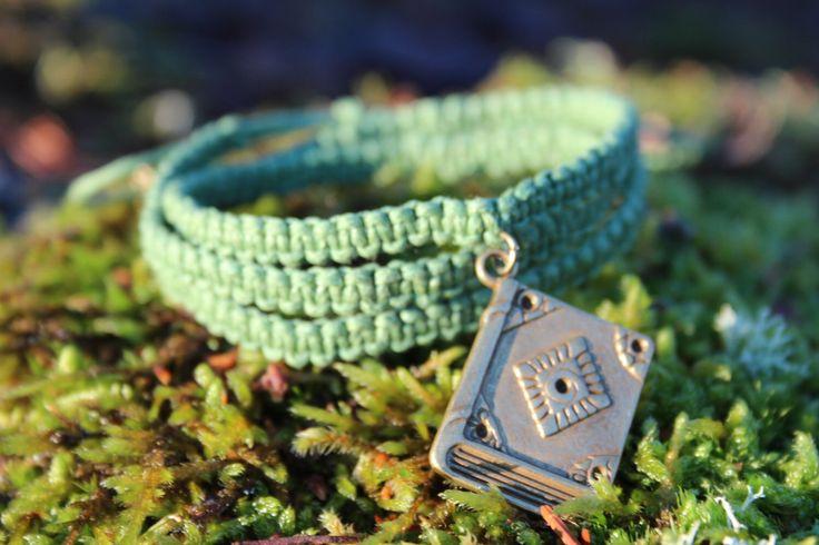 Green spell book. Macrame bracelet  TheWickedGiftShop on Etsy