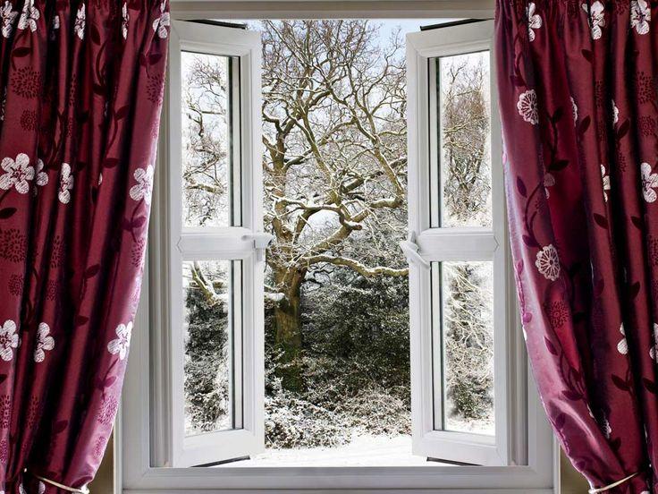 Schlafen bei offenem Fenster (vor allem in der kalten Jahreszeit) kann Nacken- und Rückenschmerzen verstärken