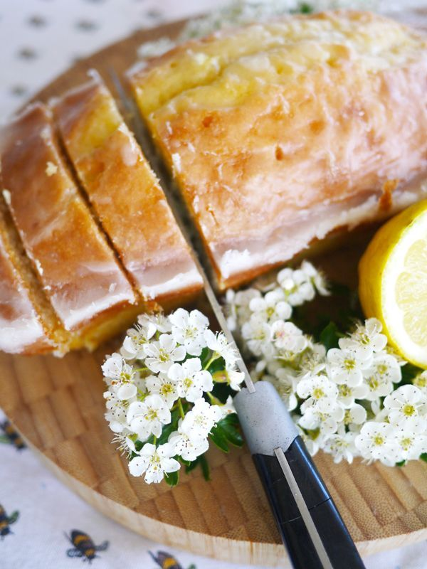 Lemon Drizzle Cake (Sorry Starbucks) - The Londoner