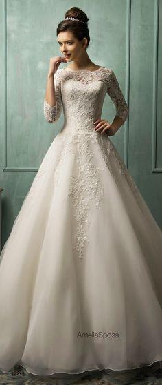 Corte en A y unas mangas hermosas para hacer un vestido mucho más conservador...Vestidos de novia vintage para tu boda