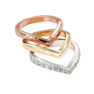 Zakochałyśmy się w zestawie delikatnych pierścionków w metalicznych kolorach