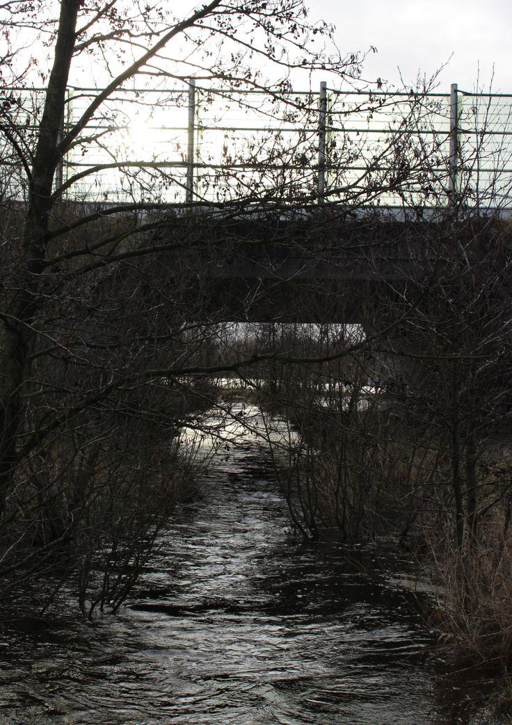Vandløb under broen