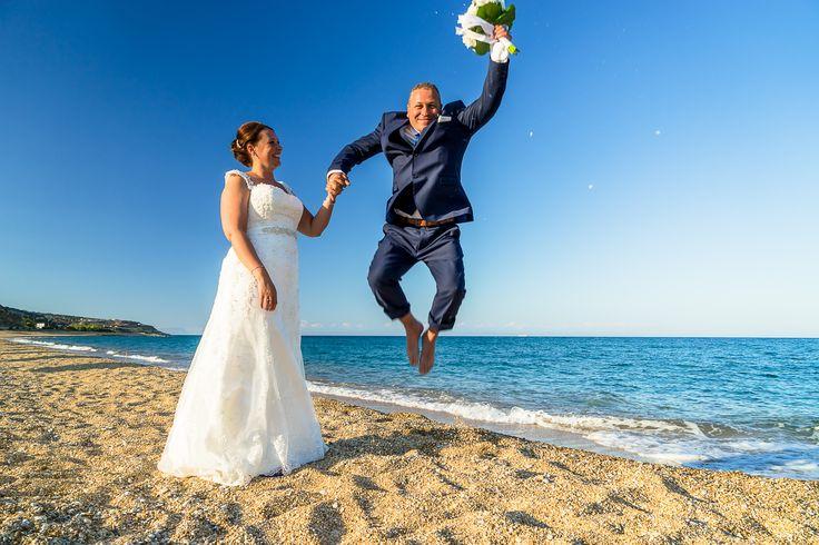 Happy groom jumping in the air - So cute photo #weddingphotos #weddingingreece #mythosweddings #kefalonia