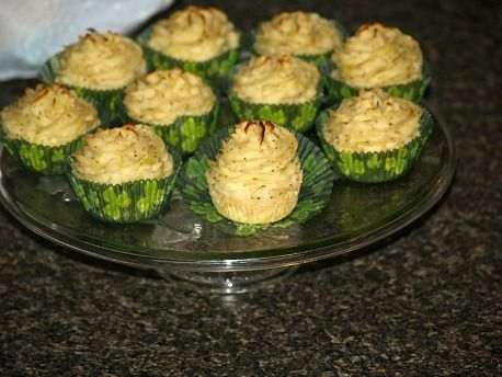 Learn how to make Irish snacks. This Irish appetizer recipe is a favorite. It is made with mashed potatoes and cabbage or kale. It is an inexpensive appetizer and you can easily make a lot of them. Great for crowd size.