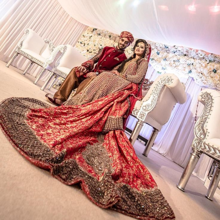 Love this picture stage by @medinaevents #wedding #bride #bridal #london #stunning #bengali #henna #asianbride #asianwedding #khushmag #indian #mua #makeup #ptsix #asianbrideme #bengalibride #pakistanibride #fashion #photography #mendhi #hinduwedding #couture #asianbridalmakeup #weddingideas #india #bollywood #photographer #asian #arab by platinumsix