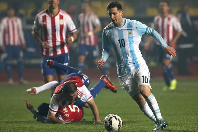 Lionel Messi receives 9.5 out of 10 after Argentina captain's incredible performance. Semi-final Argentina vs Paraguay. Copa America Chile  30.6.15