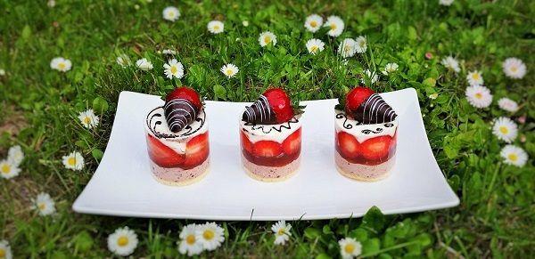 Ciastka deserowe - Torty weselne , urodzinowe , artystyczne - Cukiernia Cieplak - Dąbrowa Górnicza , Sosnowiec, Tradycyjny tort , Ciasta , Ciasteczka , Desery