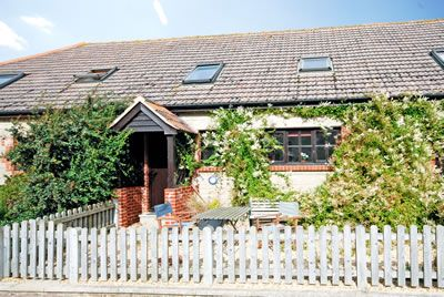 Magnolia Cottage - Godshill, Isle of Wight @ Island Cottage Holidays - Self Catering