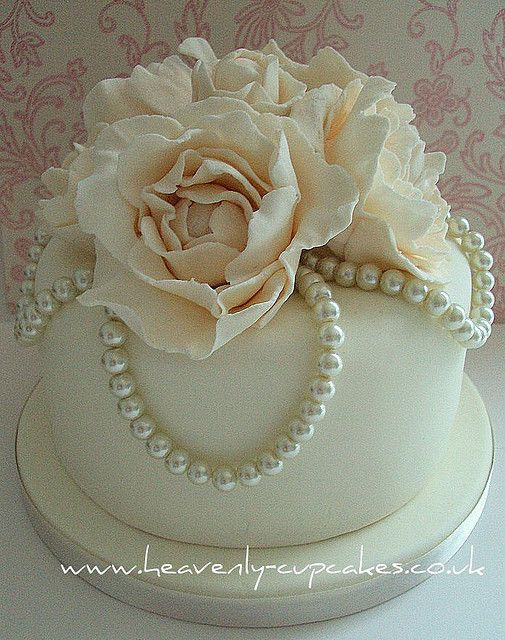 Vintage Pearl Rose Wedding Cake- Stubton Hall Nottingham ...