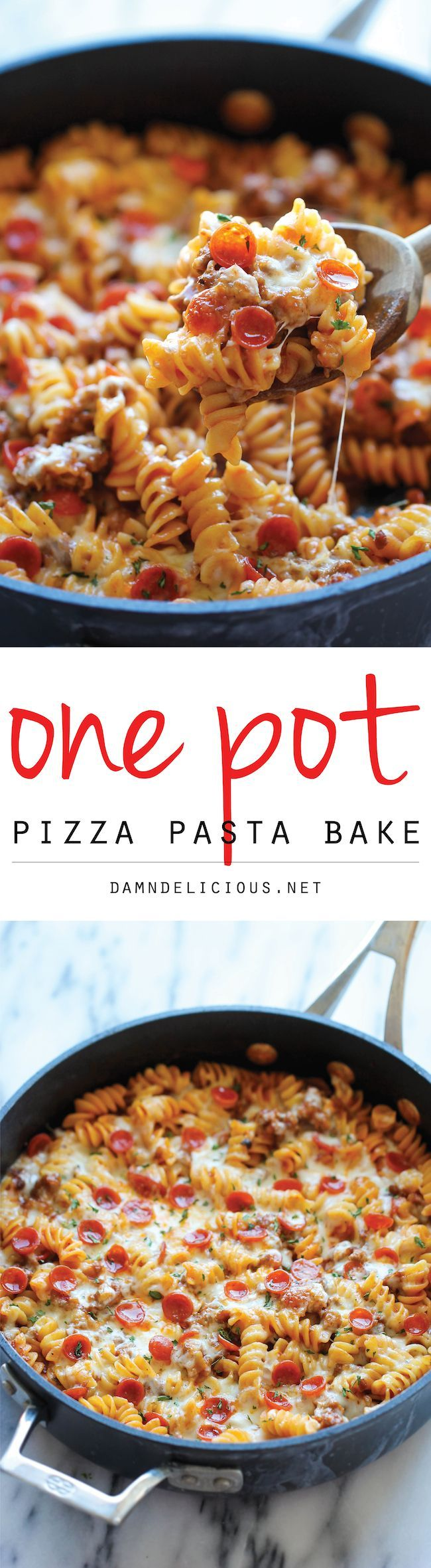 One Pot Pizza Pasta Bake - An easy crowd-pleasing one pot meal that the whole family will love! Everyone will be begging for seconds! #OnePotPasta