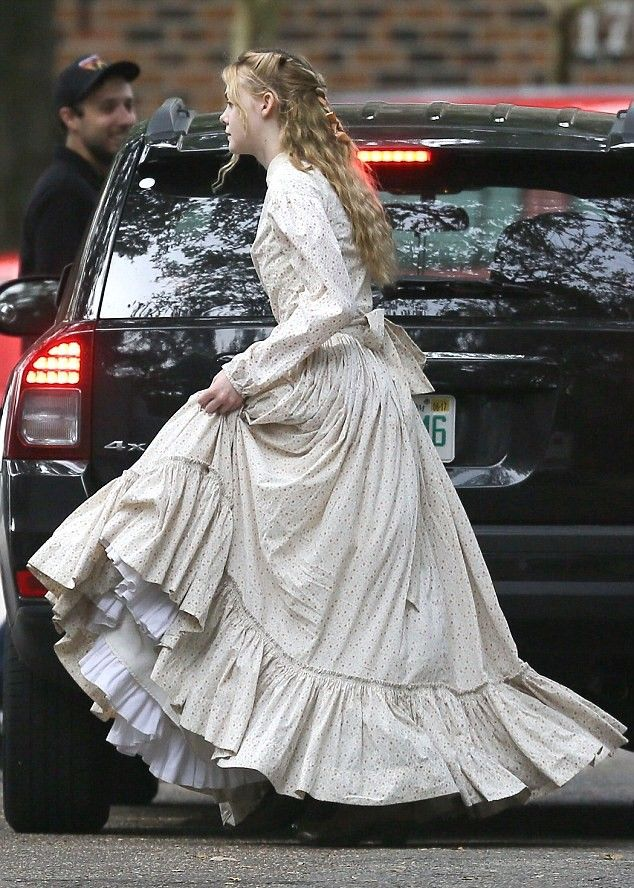 Elle Fanning - On set of 'The Beguiled' in New Orleans 11/9/16