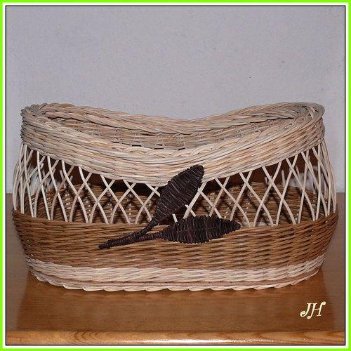 Košík s listy a pyrografie