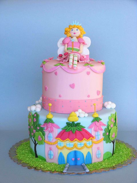 Princess Lillifee cake by bubolinkata, via Flickr