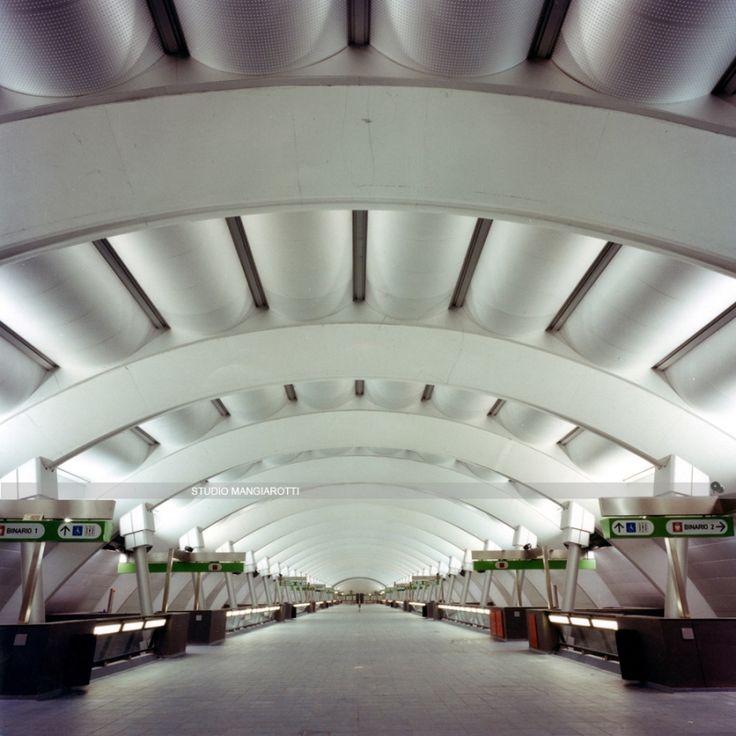 1000 idee su edifici per uffici su pinterest facciate for Piano di progettazione di edifici commerciali