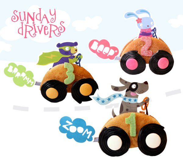 Sunday drivers!What you will need: - Scissors, glue, cookie cutters in the shape of numbers - Car: Egg cakes (eierkoeken). You can also cut half circles from slices of cake, ontbijtkoek or bread. - Wheels: Drop Jo-Jos & peppermint rounds (or any other round sweets) - Exhaust pipe: Dynamite...