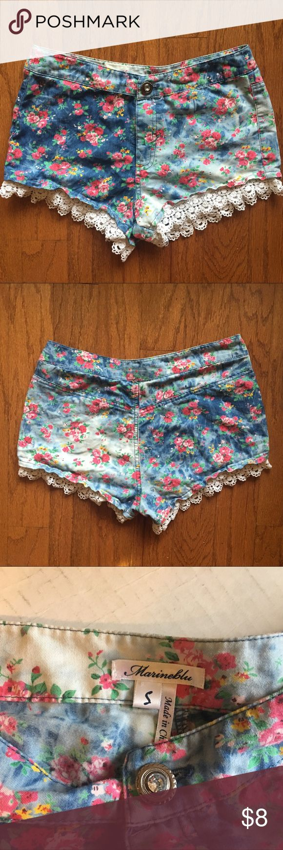 Floral Laced Trimmed Shorts Floral print cotton lace Trimmed Shorts. These shorts are very soft. Very Comfortable. Marineblu Shorts