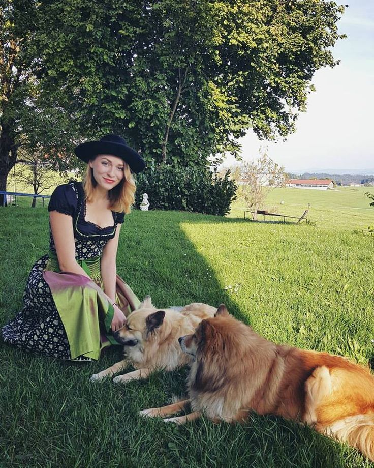 ella-breitfuss, with our Icelandic dogs in Austria(holidays)