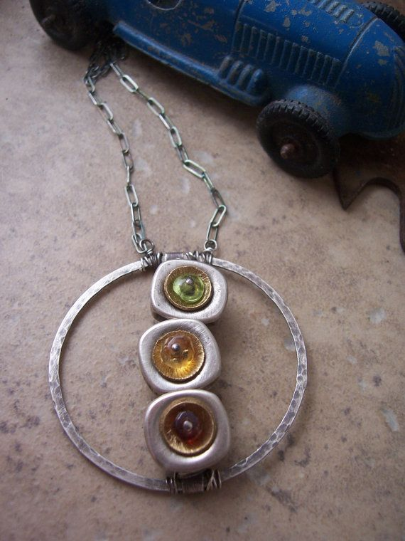 Semaforo Metalwork e collane pietre dure cerchio pendente