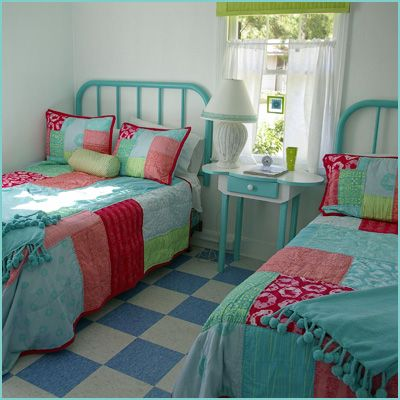 cute colorsGuest Room, Cottages Style, Beach Cottages, Cottages Bedrooms, Girls Room, Colors Schemes, Twin Beds, Beds Frames, Tybee Island