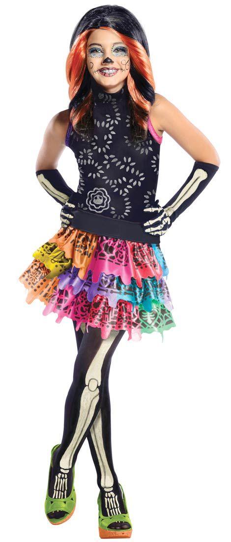 Monster High Skelita Calaveras. Naamiaisasu on lisensoitu Monster High Skelita Calaveras -asu. Huomaathan, että voit täydentää asukokonaisuuden naamiaisasuun kuuluvalla peruukilla!