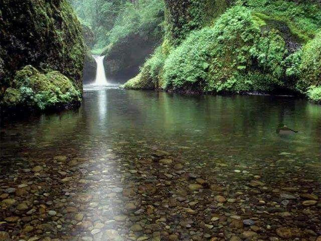Camp-Perrin Beautiful waterfall in Haiti