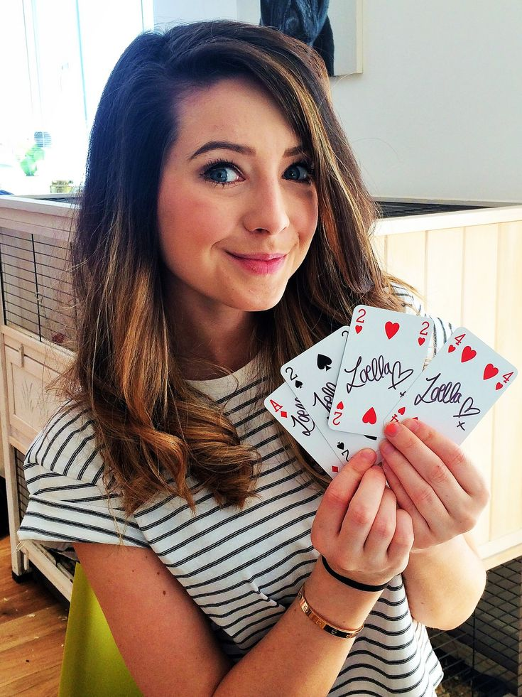 "https://flic.kr/p/tb5pQq | StarCards supporter Zoella | Delighted that the lovely Zoella has shown her support for the 2015 StarCards auction for Great Ormond Street Hospital. The auction is planned for November so watch this space. Zoe Elizabeth Sugg is an English fashion and beauty vlogger, author, and internet personality. She is best known by her fans on YouTube as Zoella <a href=""http://www.zoella.co.uk/"" rel=""nofollow"">www.zoella.co.uk/</a> <a…"