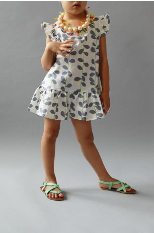 In love with the new collection of girls' summer dresses at Wunway. So pretty and appropriate.