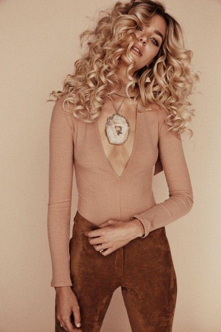 Gina Vaia stars in Liliclaspe's winter 2015 jewelry lookbook