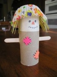 fall crafts for kids this is soo cute! -toilet paper roll -sharpie (for eyes, mouth, stitches) -popsicle sticks -spaghetti noodles or tooth picks -baking cup (get white ones and have the kids draw on them to create their own design) this is soo cute i love this