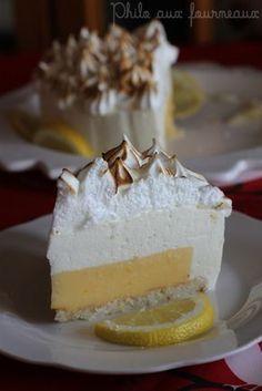 """Bavarois au citron meringué - Quel magnifique dessert, je suis extrêmement heureuse d'avoir mis la main sur cette recette de Magalie du blog """" 1, 2, 3, 4 filles a..."""