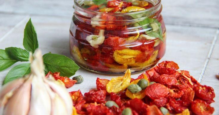 V kuchyni vždy otevřeno ...: Naložená domácí sušená rajčata v oleji ( ze sušičky )