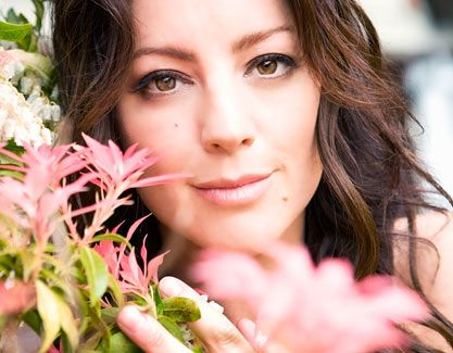 Google Image Result for http://www.parade.com/images/-v5/celebrity/2010/0627/main-sarah-mclachlan.jpg...An amazing voice, lyrics that touch your soul, and beautiful too look at...what more do you need....