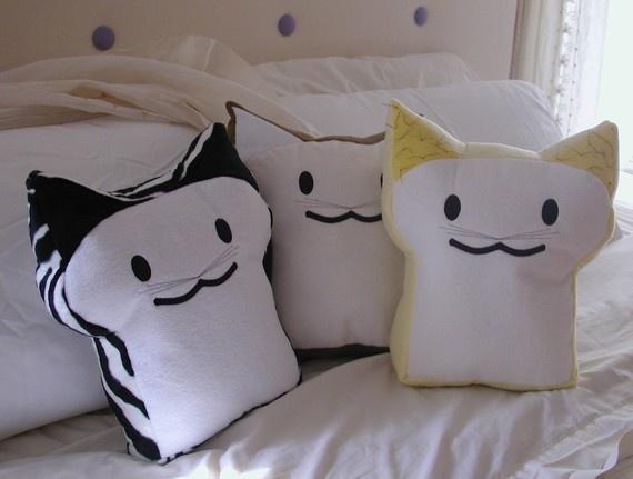 BreadCat pillows! <3