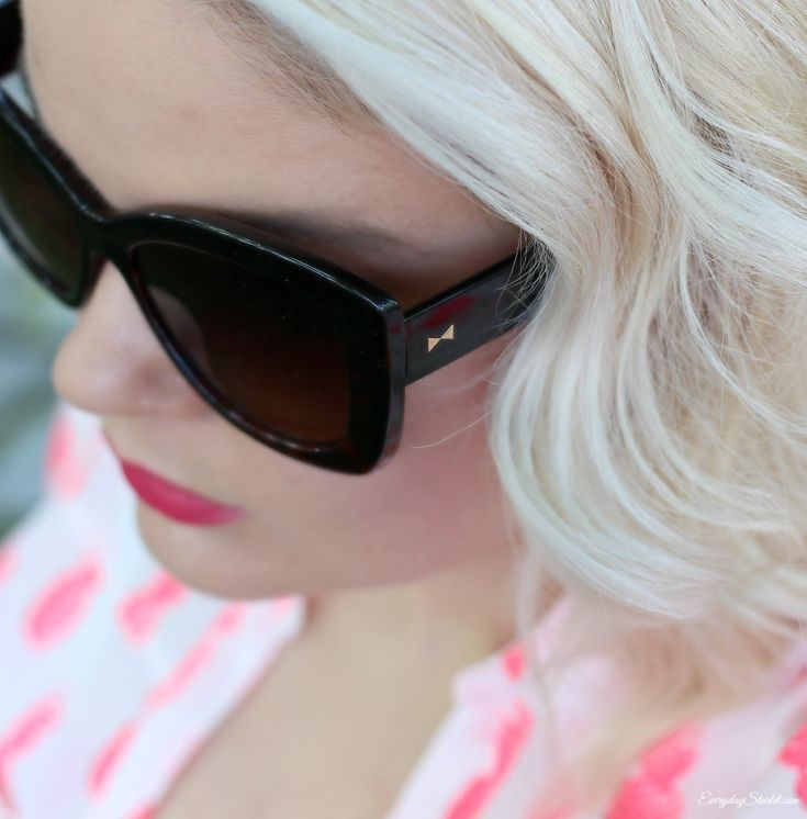 New Hollywood Waves, Pink Pineapples, and How to Style a Wavy Lob