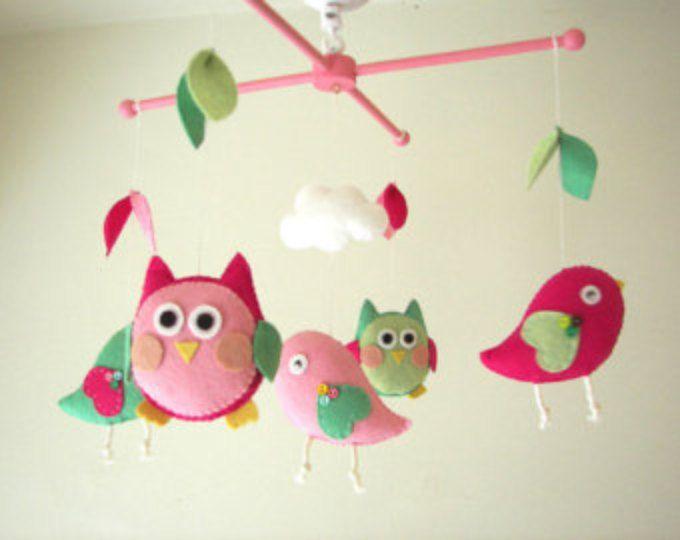 "Móvil de cuna de bebé, pájaro móvil, móvil, buho fieltro móvil, guardería móvil, bebé móvil «amigos de noche rosa-verde"""