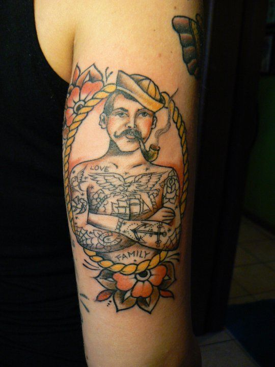 Best 25 sailor tattoos ideas on pinterest navy pirate for Tattoo shops in norman