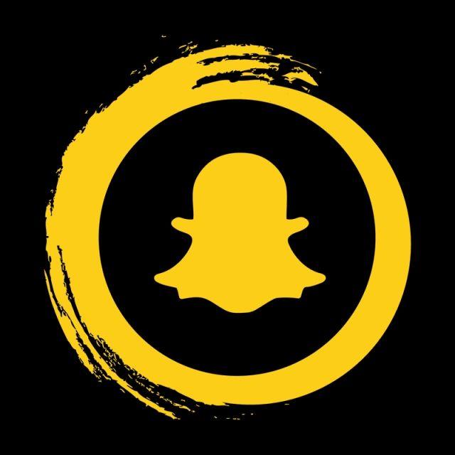 Snapchat أيقونة الشعار Snapchat الشعار Snapchat رمز سناب شات Png والمتجهات للتحميل مجانا Snapchat Icon Snapchat Logo Social Media Icons Vector