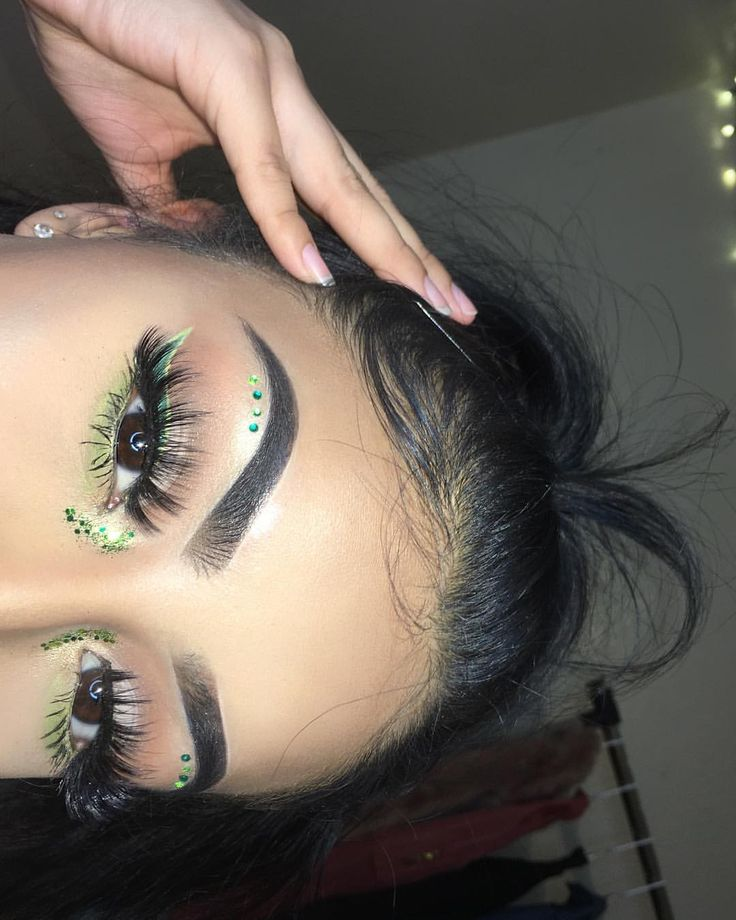 "18.5k Likes, 149 Comments - Michy Orozco (@mtoosaucy) on Instagram: ""green vibes did this look inspired by the asparagus festival LINER: @nyxcosmetics Vivid Envy &…"""