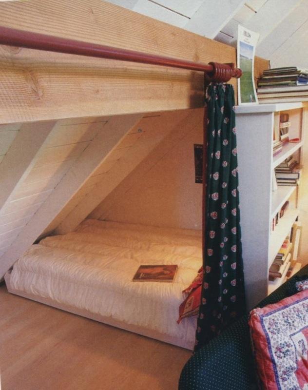 Simple DIY under-eaves bedding.