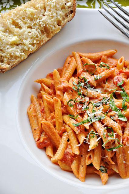 Vodka Pasta Recipe: Vodka Pasta, Vodka Sauce, Pasta Recipes, Pasta Dishes, Pasta Sauce, Food, Yummy, Drinks