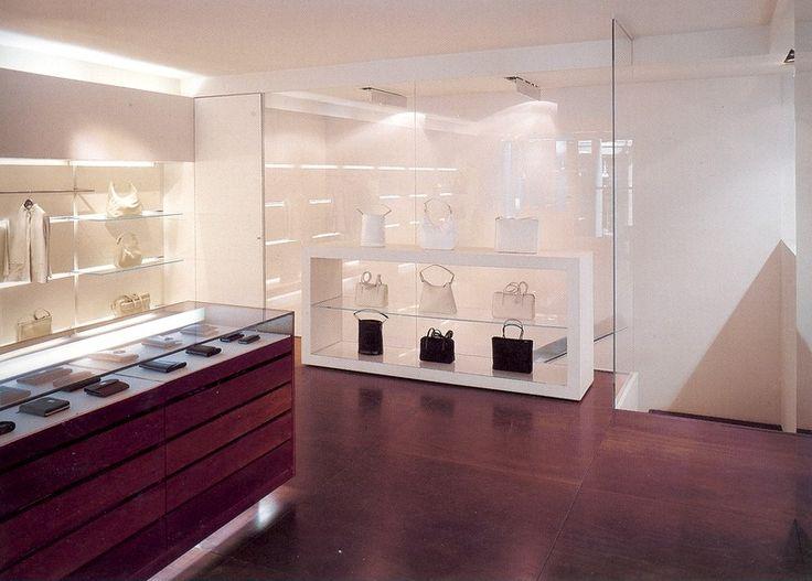 www.arredamentiartedil.it  POLLINI (Milan - Italy) progetto: arch. V. De Cotis - foto: O. Lalli