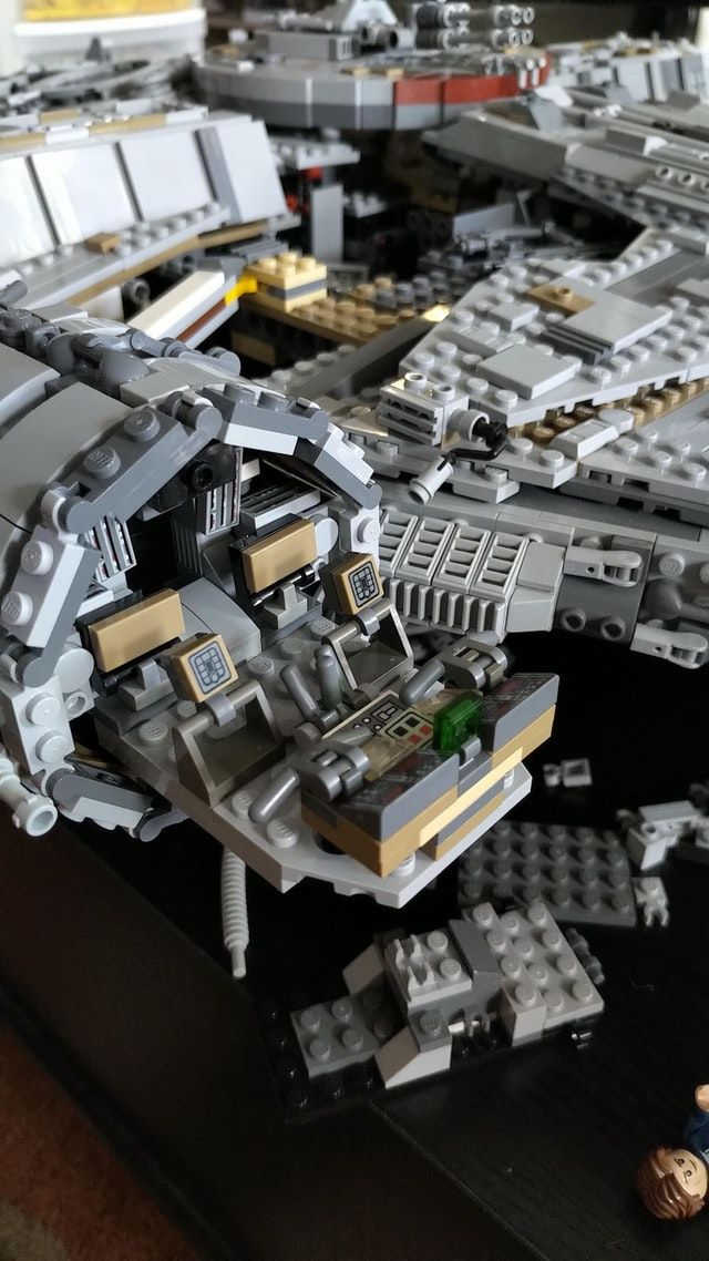 Modified My 75192 Ucs Millennium Falcon Cockpit To Hold 4 Minifigures Legostarwars Millennium Falcon Lego Cool Lego Lego Falcon