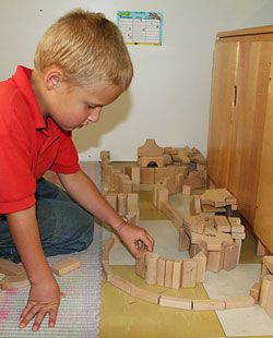 Discover the link between block play and literacy