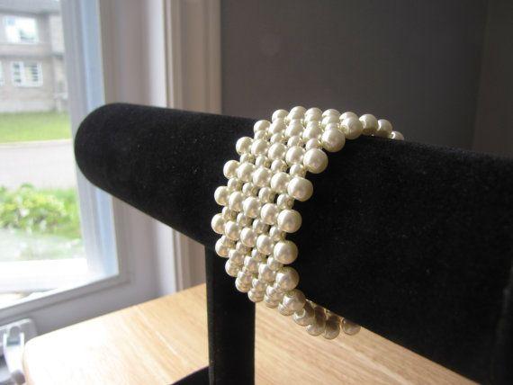 Ivory glass pearls weaved bracelet