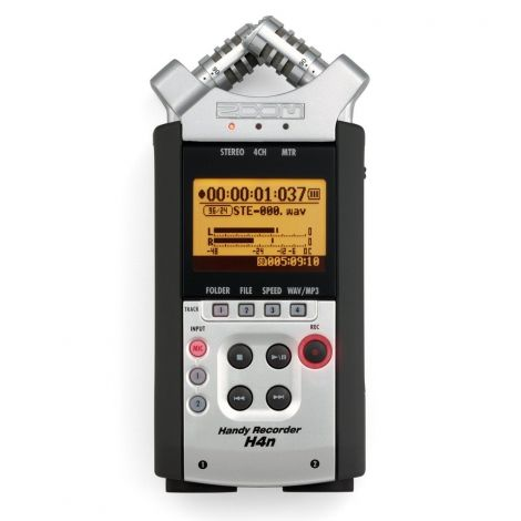 Zoom H4n handy Recorder is perfect for use on a video or DSLR camera. The remarkable depth and clarity of sound achieved by the stereo X/Y mic design brings additional realism and depth to HD video.